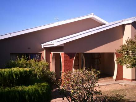 For Rent House. Leased Out Ruim 3 Slaapkamer Huis